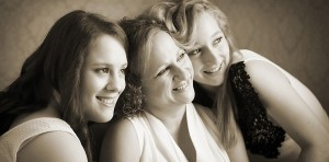 mums-and-daughters-026-900x444